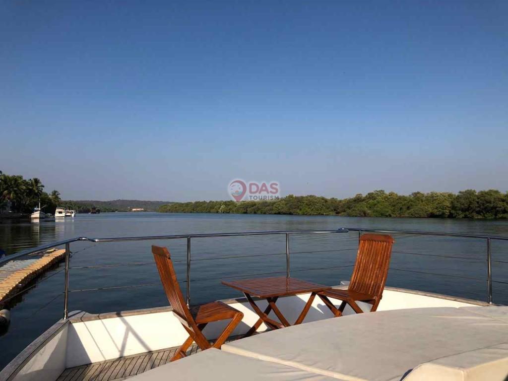 Shantam Catamaran front deck