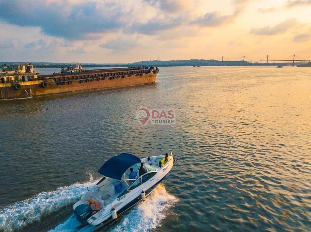 Speed Yacht in Goa