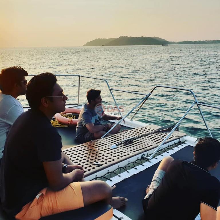 Sunbath net in catamaran