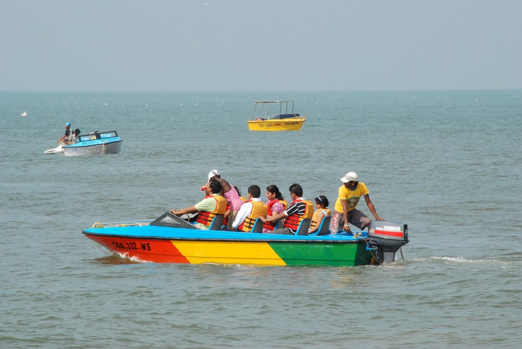 Speed boat ride in north goa