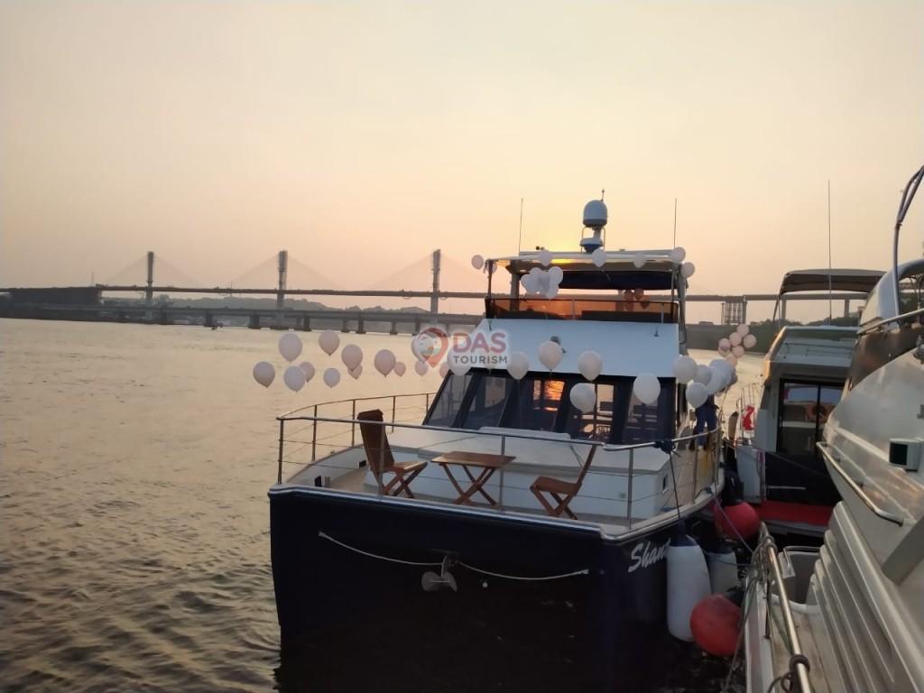 Balloon Decoration on  Shantam Catamaran in Goa