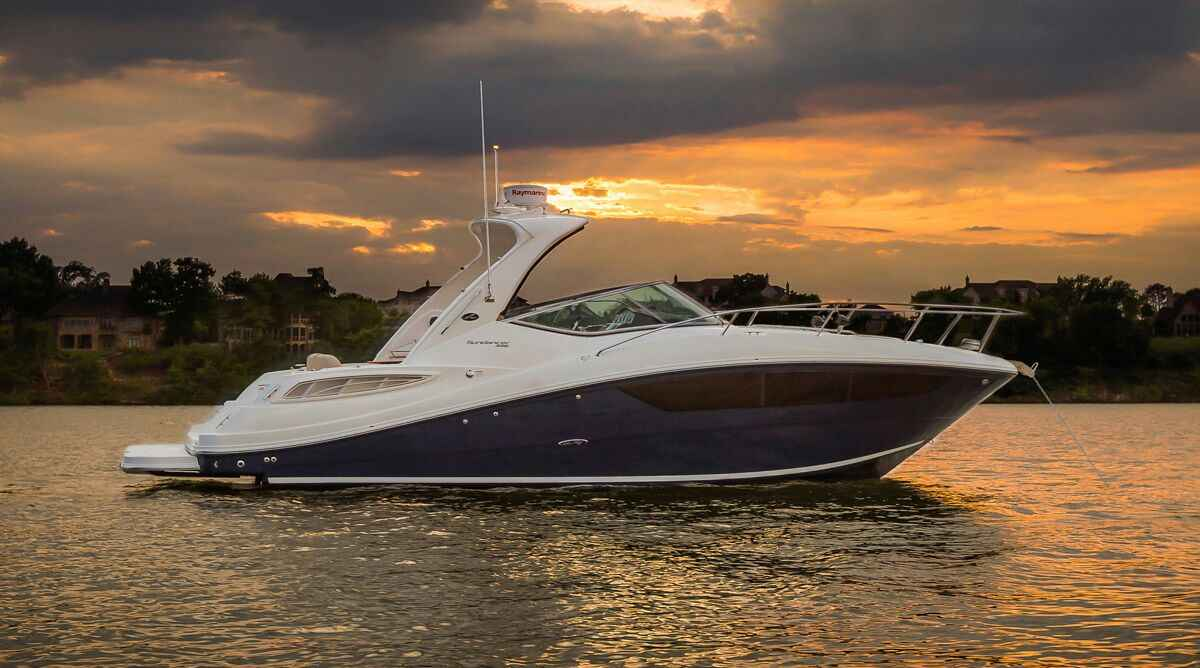 Sea Ray 330 Yacht