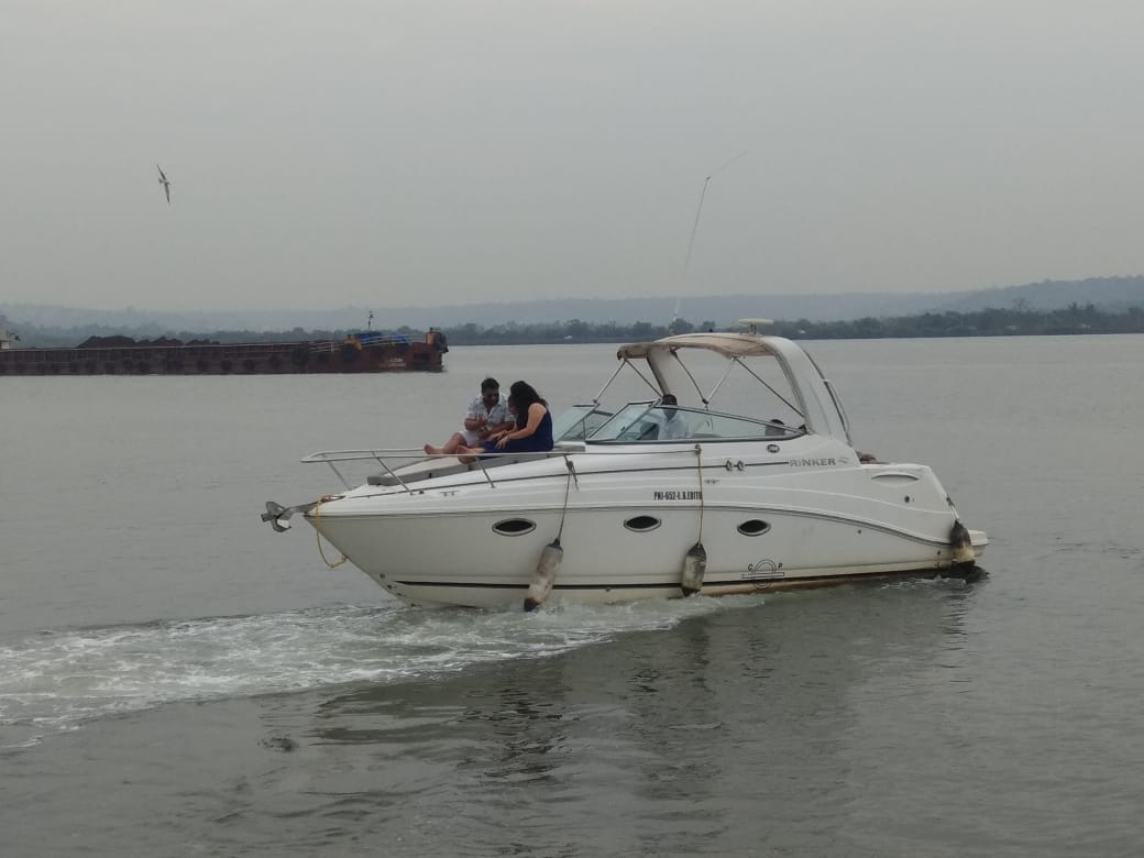 Book Rinker Yacht for Couple