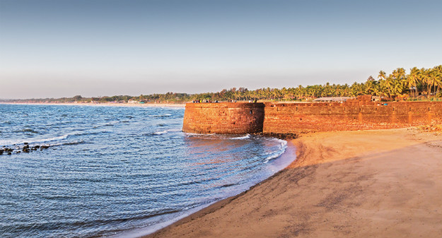 side view fort aguada